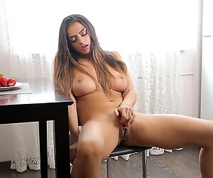 Latoya, Mio wish regina - non più incinta 1