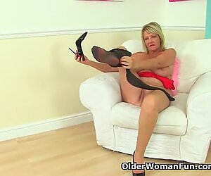 British milf Amy loves the feel of nylon on her fanny