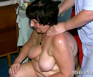 Two chubby old lesbians get it on