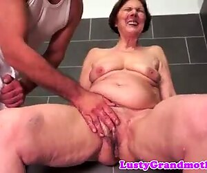 European granny fucked after taking a shower