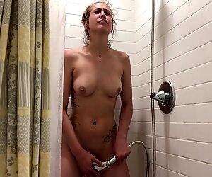 Pretty woman nude