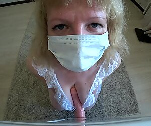 big ass loves anal ejaculation, mummy in the dog's position.