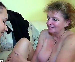 Nonna si masturba con la giovane coppia sul letto oldnanny