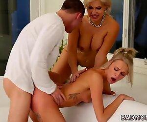 Blond milf masturbation bed Sex Lespartner s sons From Mama Bear - Savana Styles