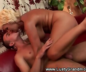 wooly mature grandmother muff fucked and loves it