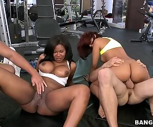 BBW ebony ladies Julissa James and Jessica Dawn gets fucked and facialized