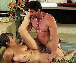 Ebony masseuse cummed