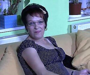 Deutsche mutter dreaming of hard cock