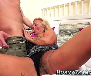 Nonna slut entra in Faccia