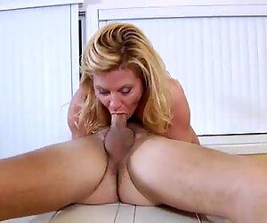 Hardcore casalinga cavalca il pene in cucina