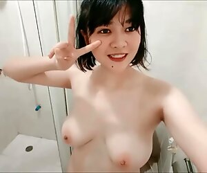 Papatsara thai girl shows her big boobs and pussy